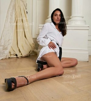 Florianna independent escort in Levittown