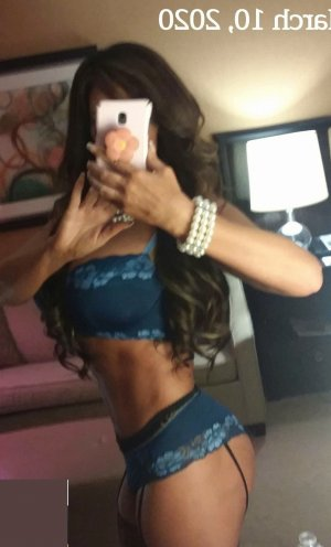 Roxanne outcall escort and sex dating