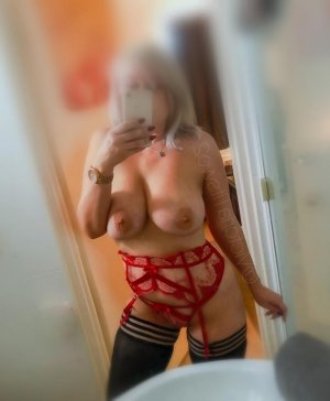 Geraldina escort in Calverton Maryland