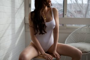Coralie casual sex & independent escorts